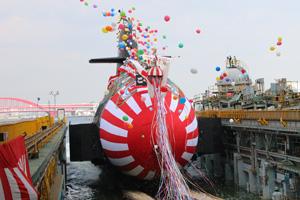 潜水艦「こくりゅう」が進水
